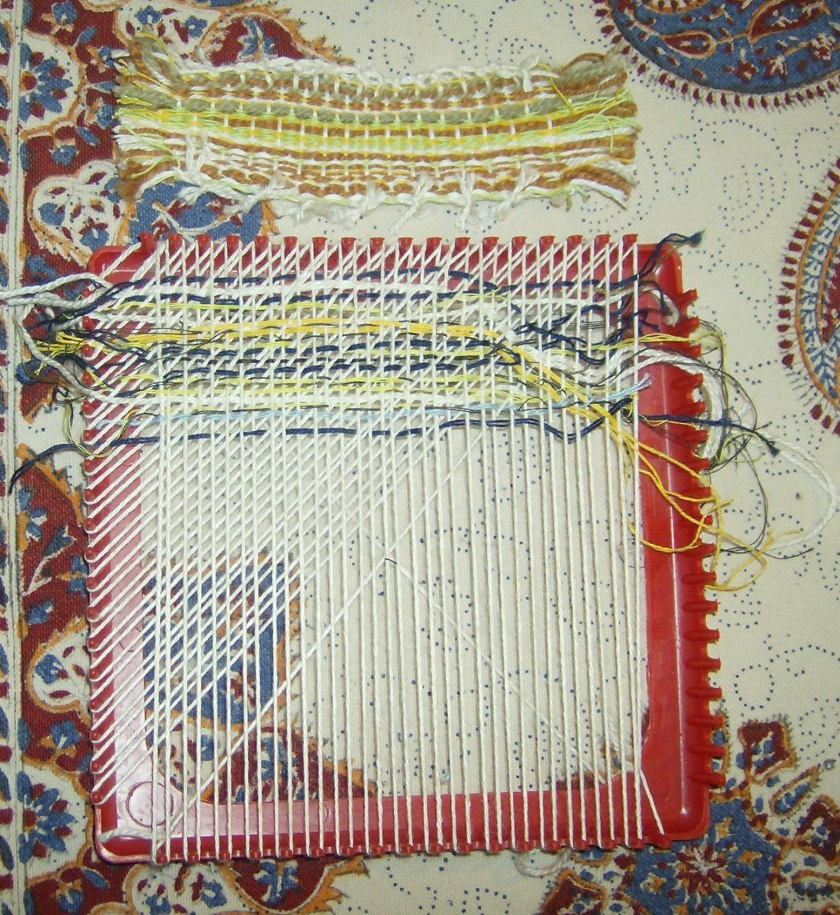 Simple weaving projects using a plastic potholder loom. Photos by Holly Tierney-Bedord. All rights reserved.