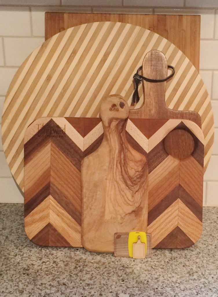 Regular cutting boards and mini cutting boards. Photos by Holly Tierney-Bedord. All rights reserved.